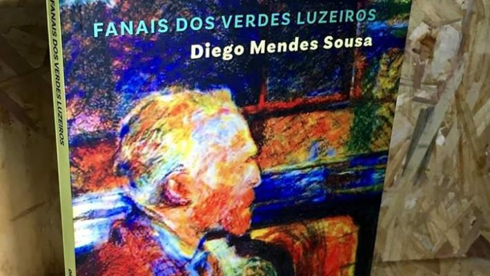 """Capa de """"Fanais dos verdes luzeiros"""". Registro fotográfico de Jairo Leocádio."""