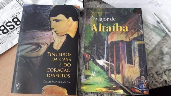 """Capas de """"Tinteiros da casa e do coração desertos"""" e de """"O viajor de Altaíba"""""""