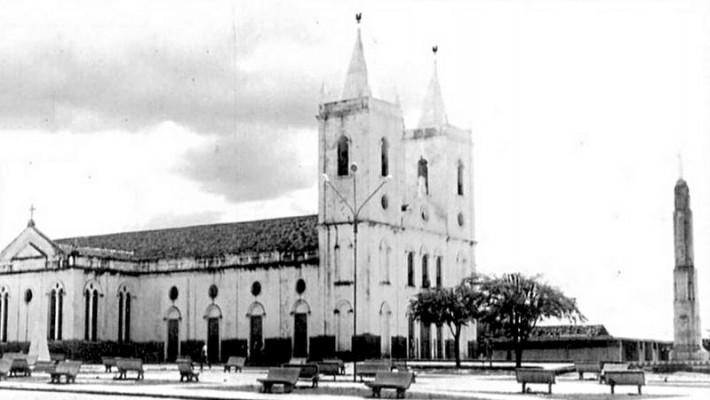 Igreja do Senhor do Bonfim, marco inicial da cidade de Crateús.