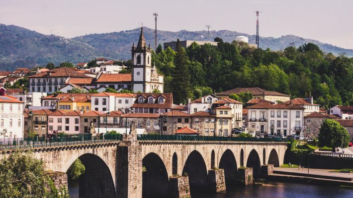 Vista panorâmica de Ponte da Barca. Créditos: Pasquimdavila