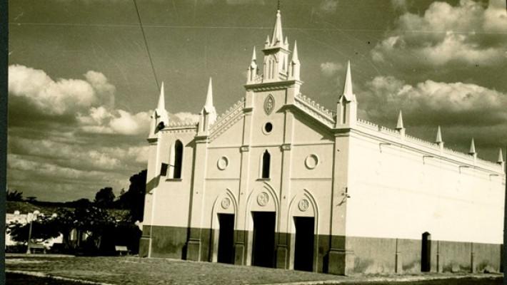 Igreja Matriz de Guaraciaba do Norte-CE. Dessa cidade, migrou D. Ponciana Ribeiro e família.