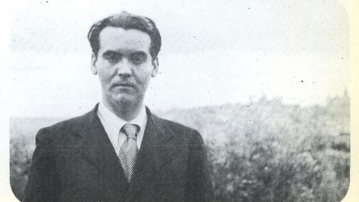 """Tradução de  pema """"Sorpresa"""", de Federic García Lorca(1998-1936)"""
