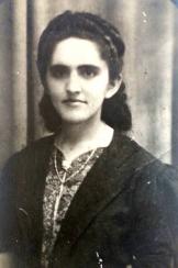 Nasceu a professora Iracema Miranda, em 22 de dezembro de 1915, no lugar Barra do Correia, da fazenda Santa Rosa, do antigo Município de Bom Jesus do Gurgueia